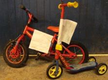 http://s3-eu-west-1.amazonaws.com/bumblebeeauction/201404/Childs Bike 2.JPG