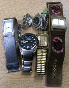 http://s3-eu-west-1.amazonaws.com/bumblebeeauction/201404/Watches 8.JPG