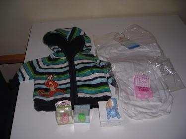 http://s3-eu-west-1.amazonaws.com/bumblebeeauction/201404/baby items.jpg