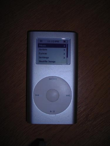 http://s3-eu-west-1.amazonaws.com/bumblebeeauction/201404/ipod mini.jpg