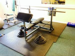 http://s3-eu-west-1.amazonaws.com/bumblebeeauction/201406/Bench press.jpg