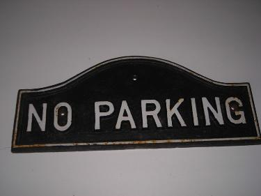 http://s3-eu-west-1.amazonaws.com/bumblebeeauction/201406/NO PARKING SIGN.jpg