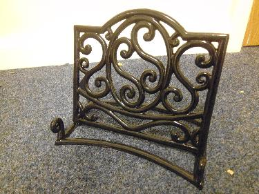 http://s3-eu-west-1.amazonaws.com/bumblebeeauction/201407/Cast Iron book holder.JPG