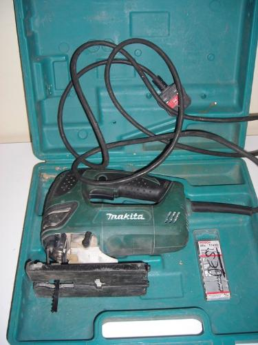 http://s3-eu-west-1.amazonaws.com/bumblebeeauction/201407/MAKITA JIG SAW.jpg