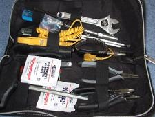 http://s3-eu-west-1.amazonaws.com/bumblebeeauction/201407/Tool kit (1).jpg