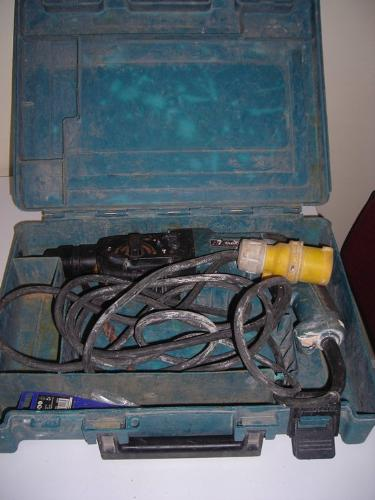 http://s3-eu-west-1.amazonaws.com/bumblebeeauction/201407/makita 110v drill (1).jpg