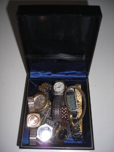 http://s3-eu-west-1.amazonaws.com/bumblebeeauction/201407/selection of watches.jpg