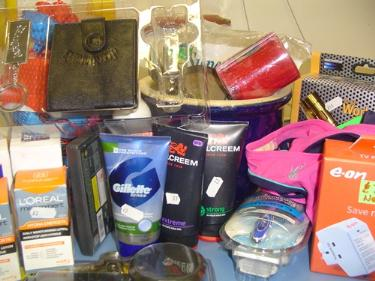 http://s3-eu-west-1.amazonaws.com/bumblebeeauction/201408/ASSORTED ITEMS.jpg