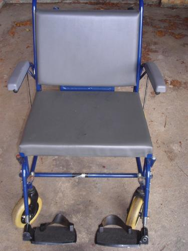 http://s3-eu-west-1.amazonaws.com/bumblebeeauction/201408/wheelchair (3).jpg