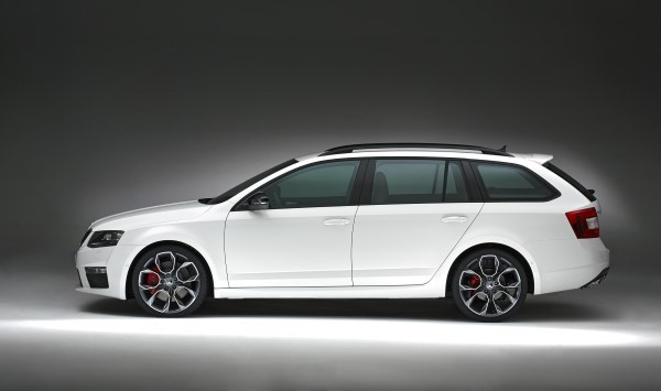 Skoda Octavia vRS Estate side