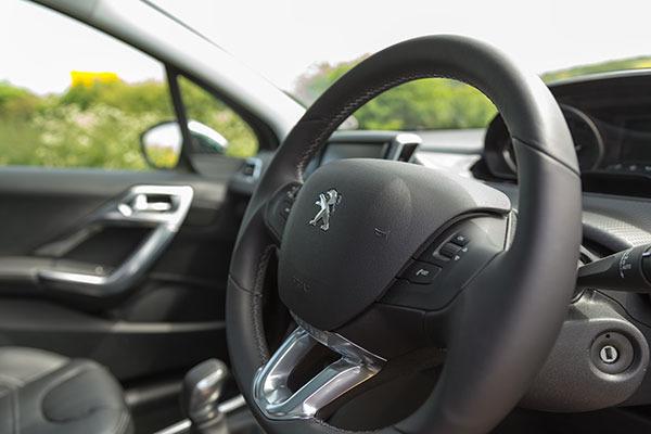 Peugeot 2008 Steering