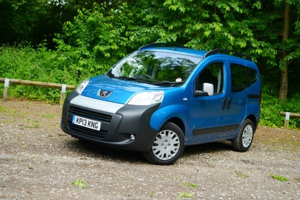 Peugeot Bipper Tepee front angle