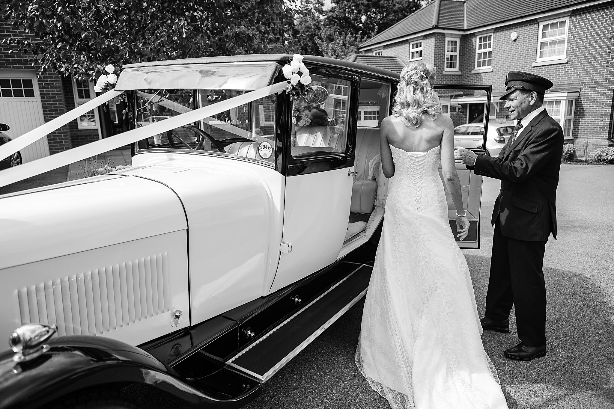 Bride gets into car