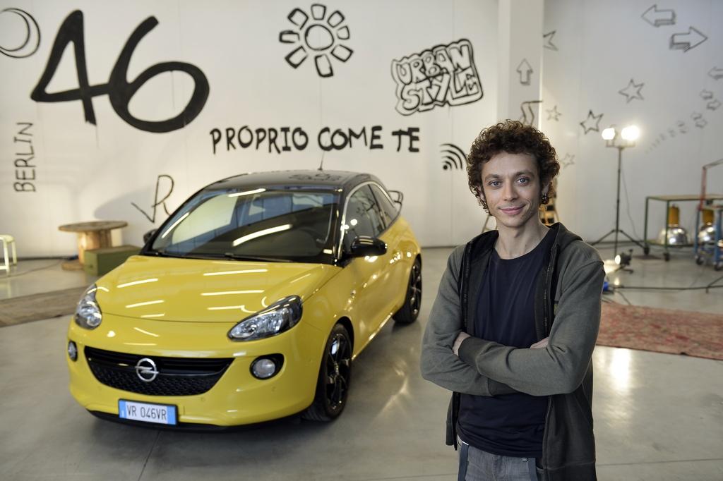 Valentino Rossi testimonial di Adam