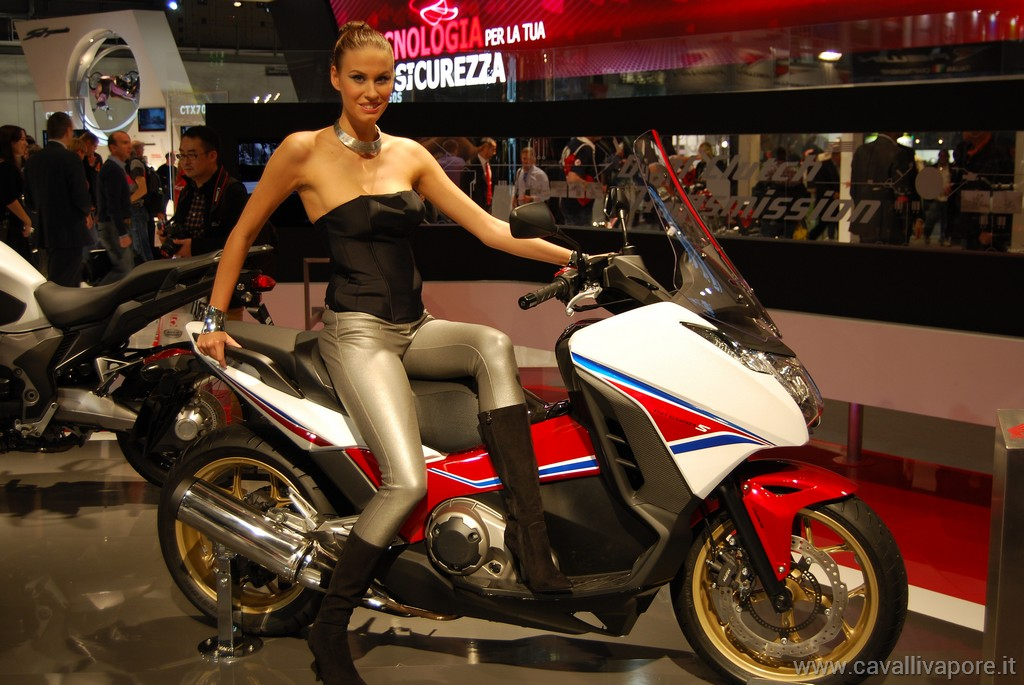 Honda Integra S 750 Eicma 2013 Live