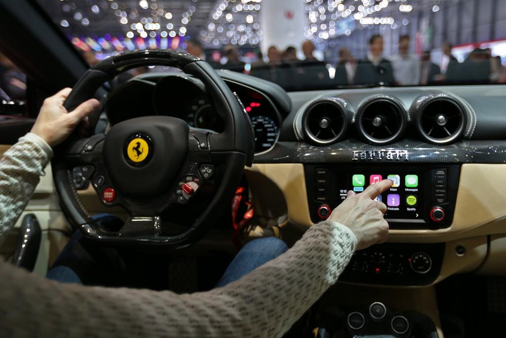 Ferrari FF CarPlay