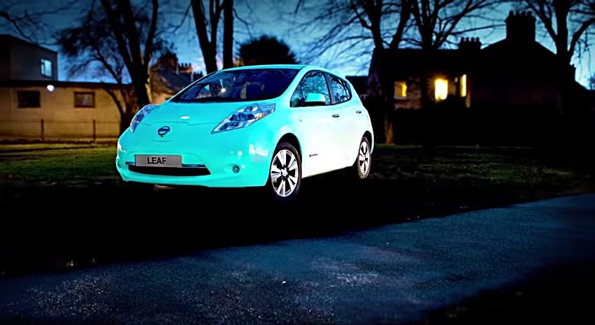 Nissan Leaf Flourescente