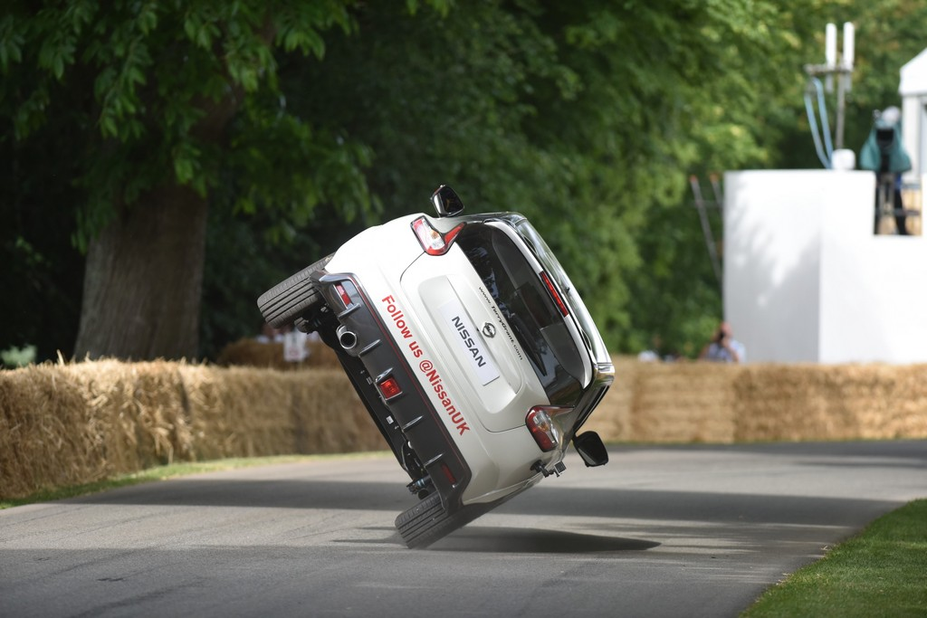 Nissan Juke NISMO RS Terry Grant Goodwood 2 Ruote