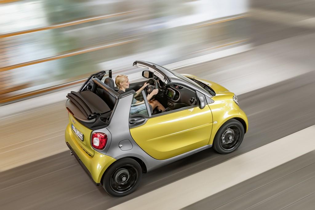 nuova smart cabrio gialla altro