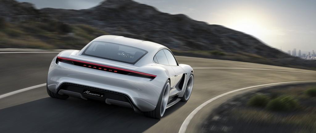 Porsche Mission E Concept Dietro