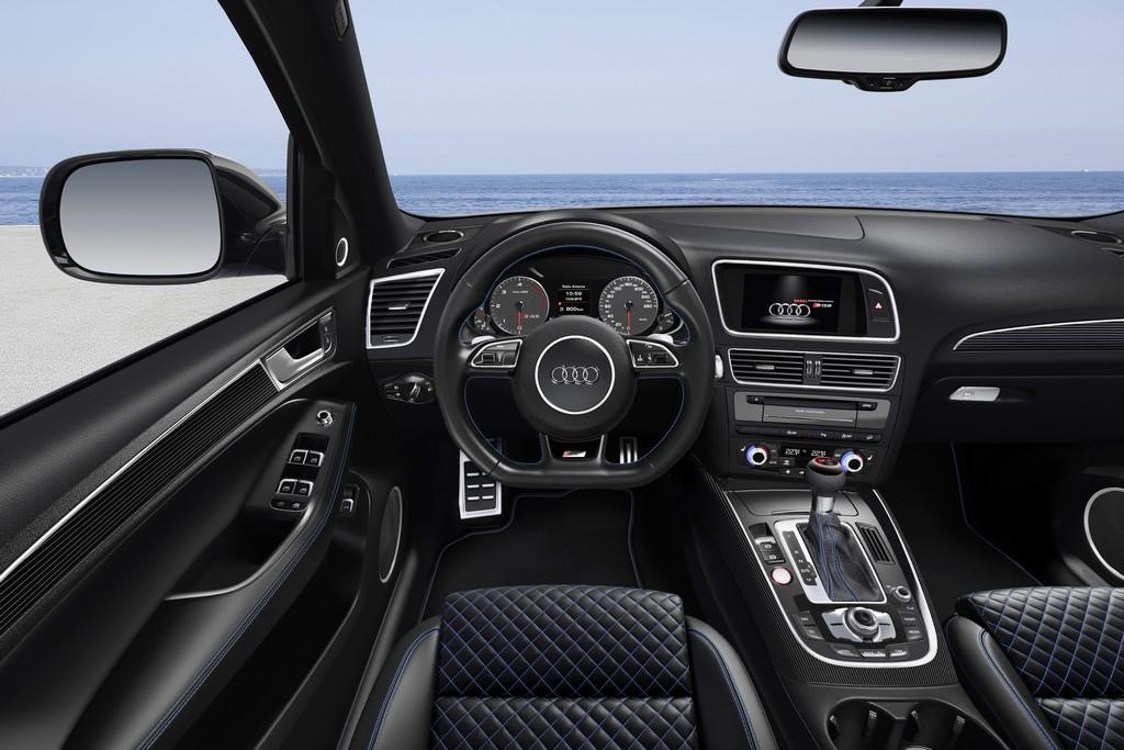 Audi SQ5 TDI plus Cruscotto Macaw Blue