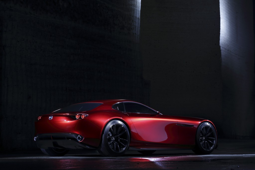 Mazda RX-Vision Concept Tre Quarti Posteriore