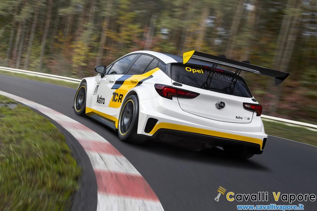 Opel Astra TCR Dietro