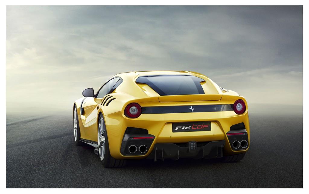 Ferrari F12tdf Dietro
