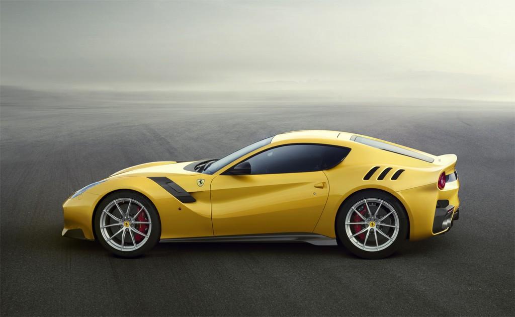Ferrari F12tdf Lato