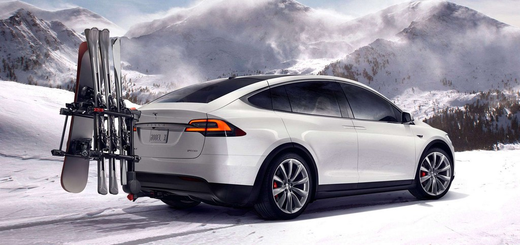 Tesla Model X tre Quarti Posteriore