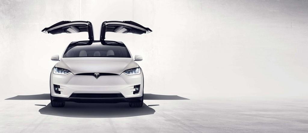 Tesla Model X Davanti