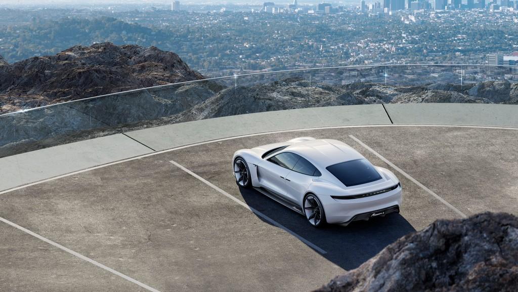 Porsche Mission E Alto