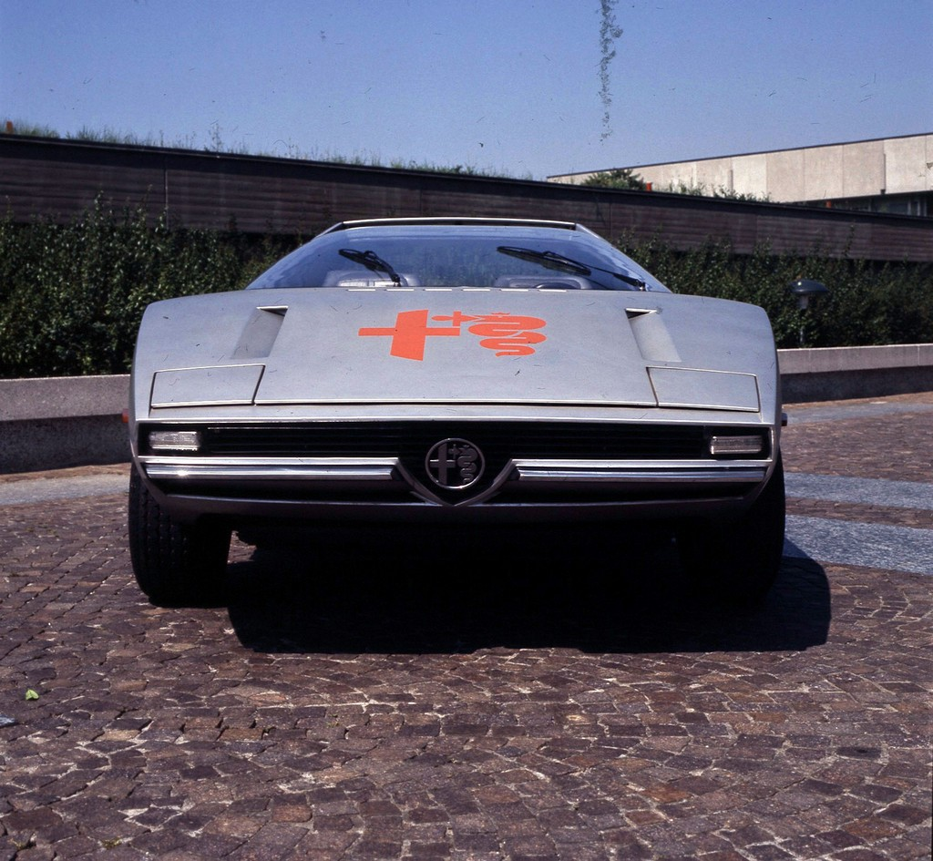 Alfa Romeo Caimano Davanti
