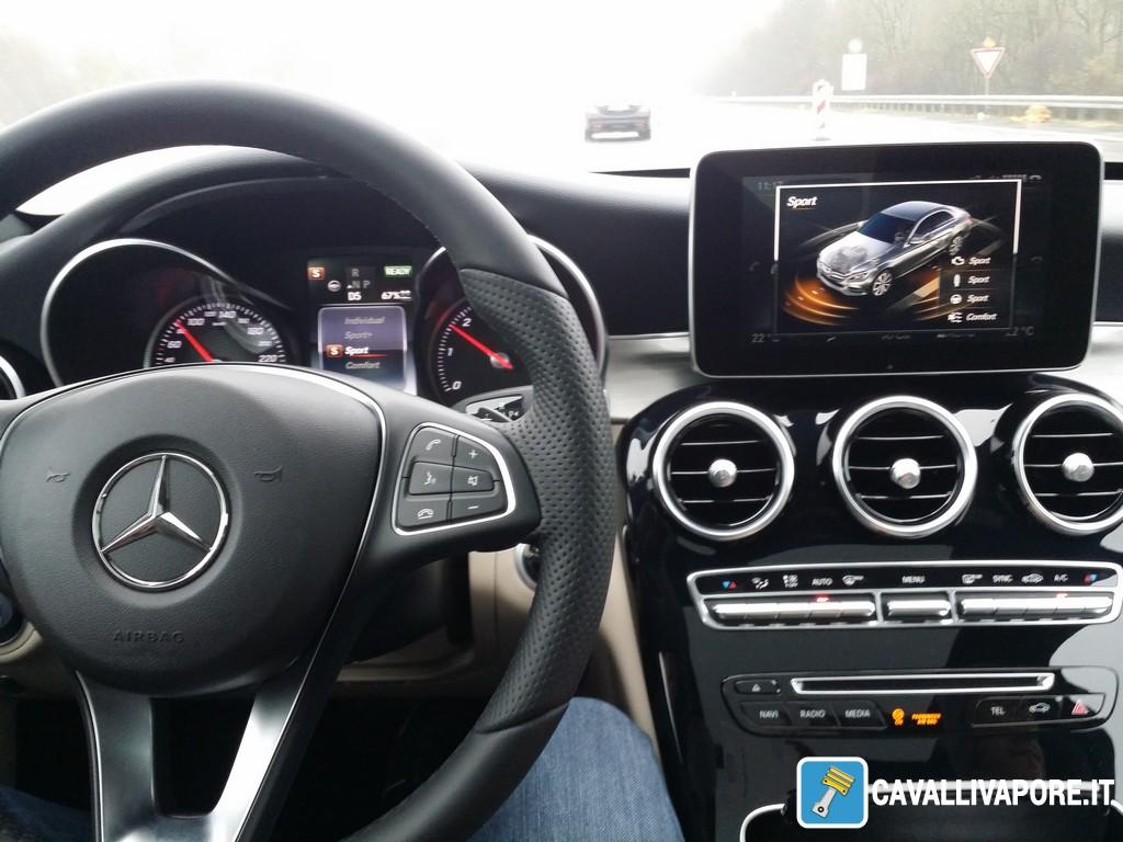 Mercedes Classe C 300 h Interni-1