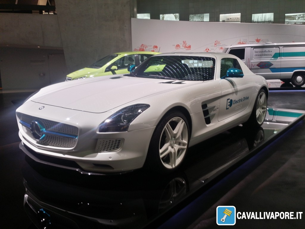 Mercedes-Benz SLS AMG Coupe Electric Drive 2012-3