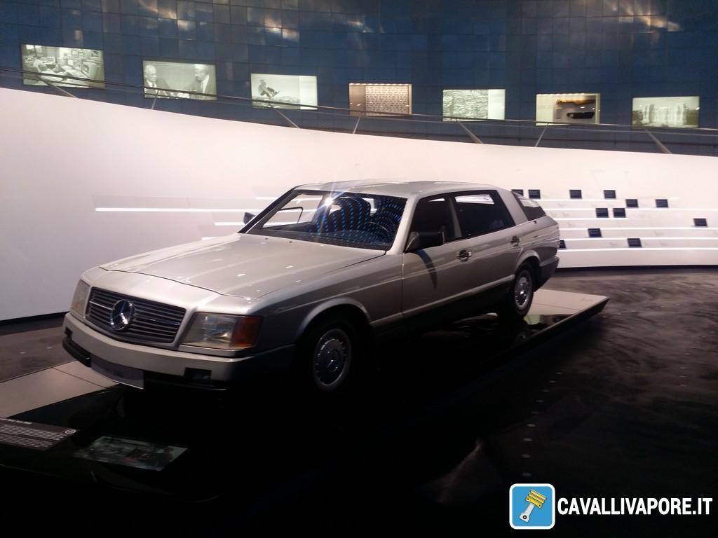 Mercedes-Benz Auto 2000 1981