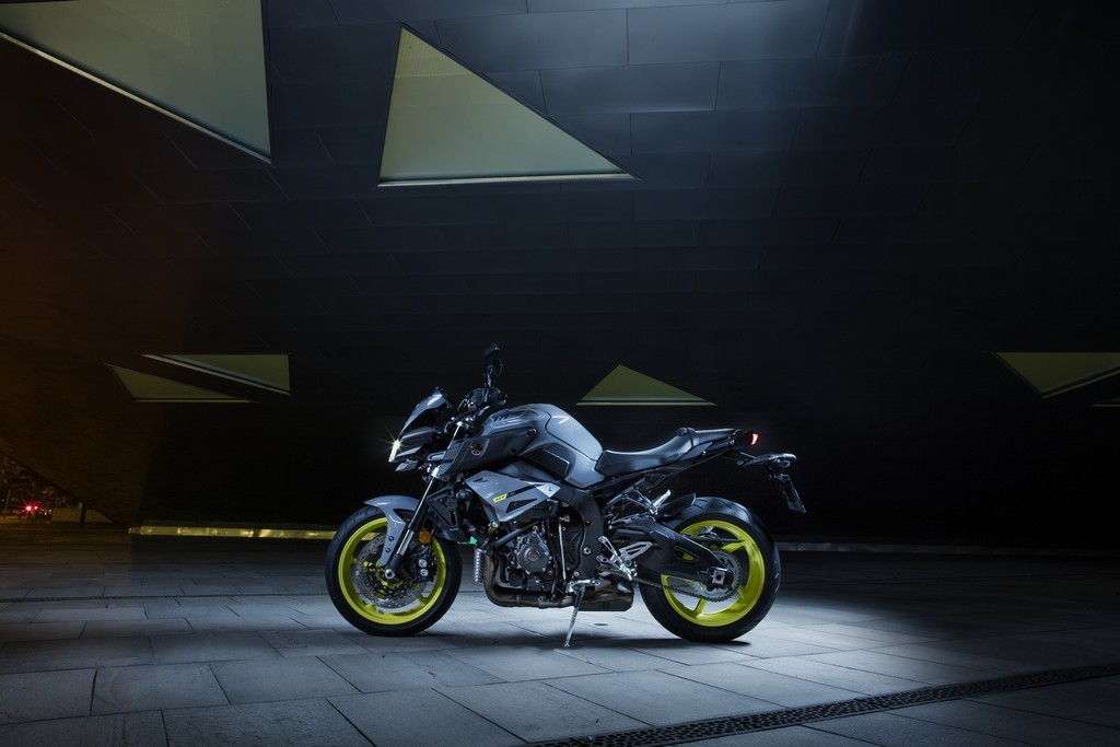 Yamaha MT-10 Laterale