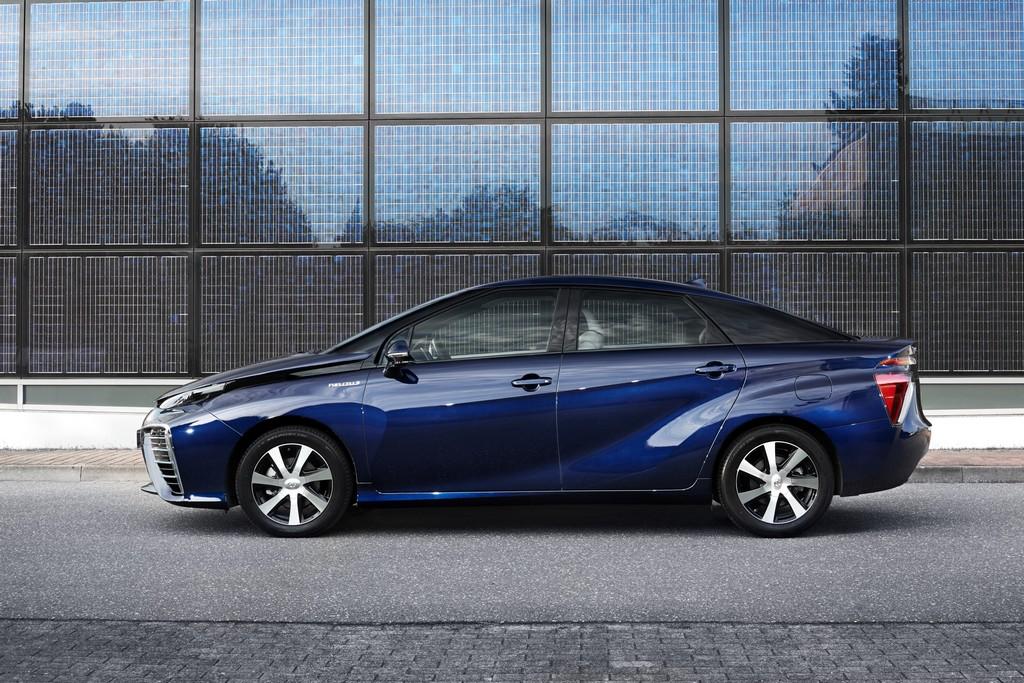 Toyota Mirai laterale