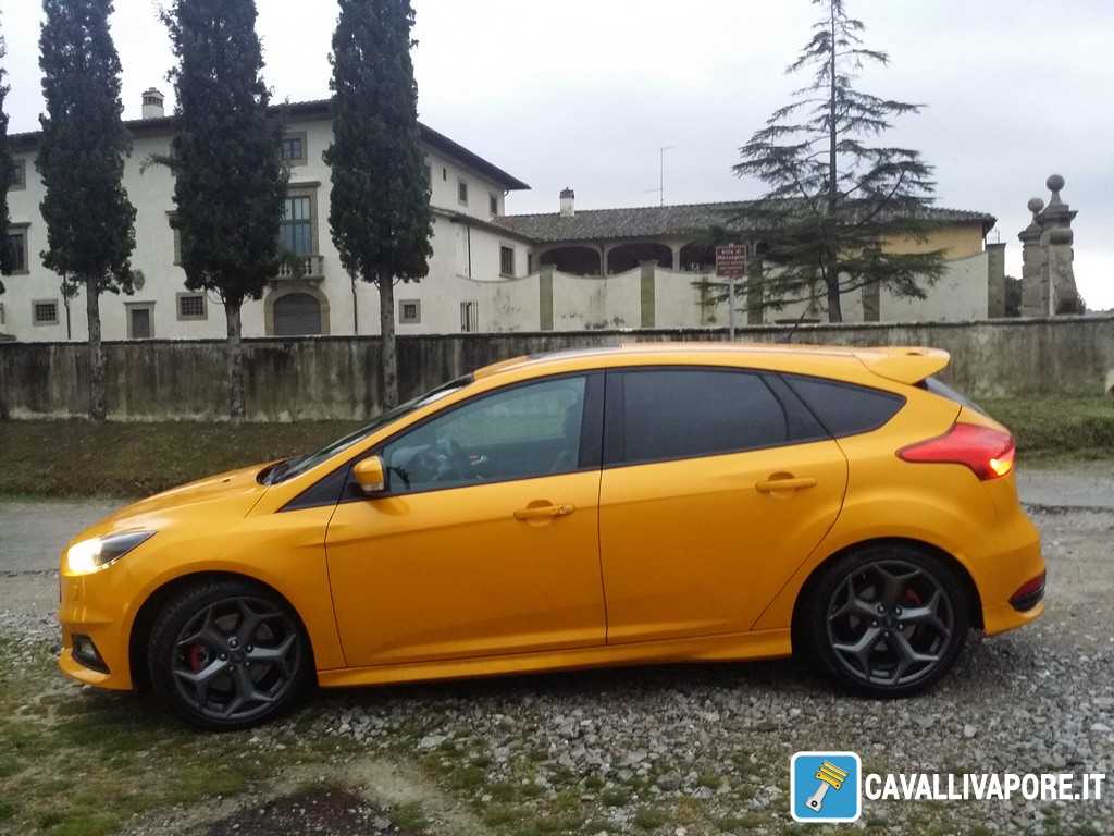 Ford Focus ST-9