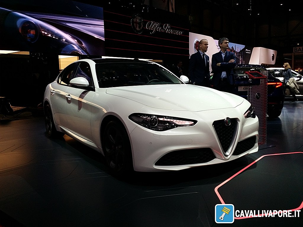 Alfa Romeo Giulia Super Bianca LIVE GIMS 2016