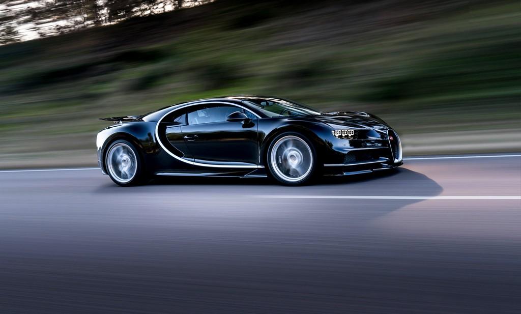 Bugatti Chiron Pista Lato
