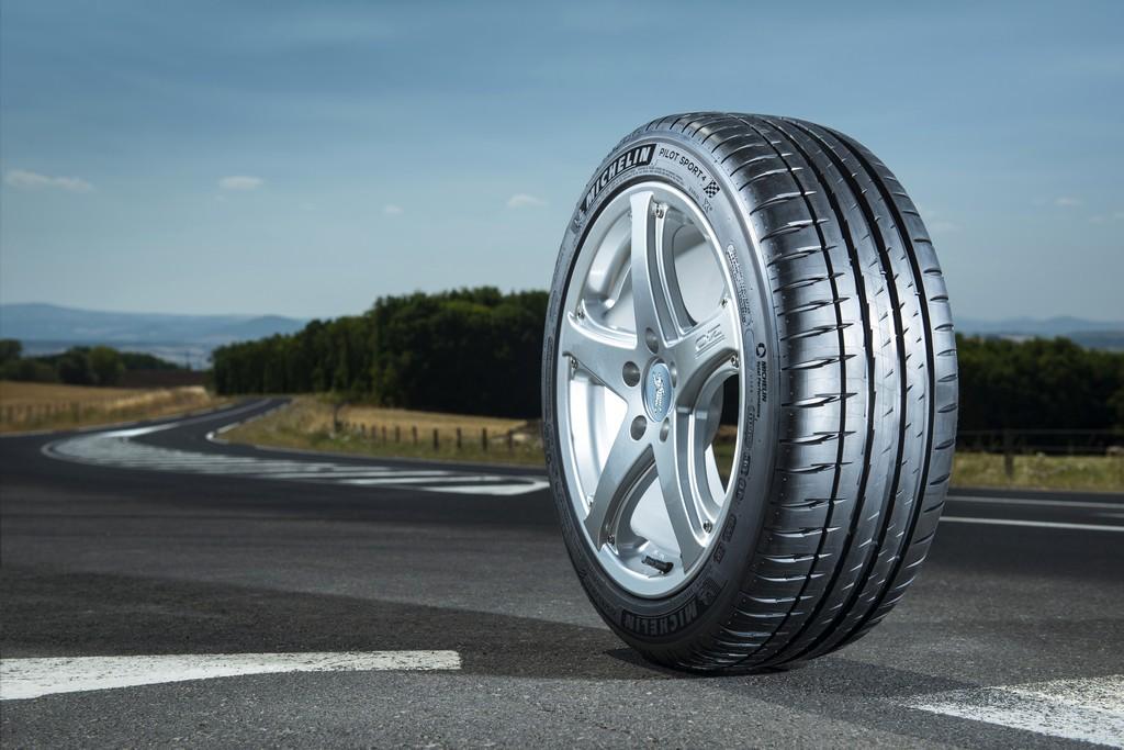 Michelin Pilot Sport 4-10