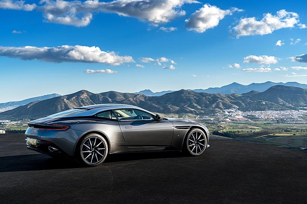 Aston Martin DB11 Lato Destro