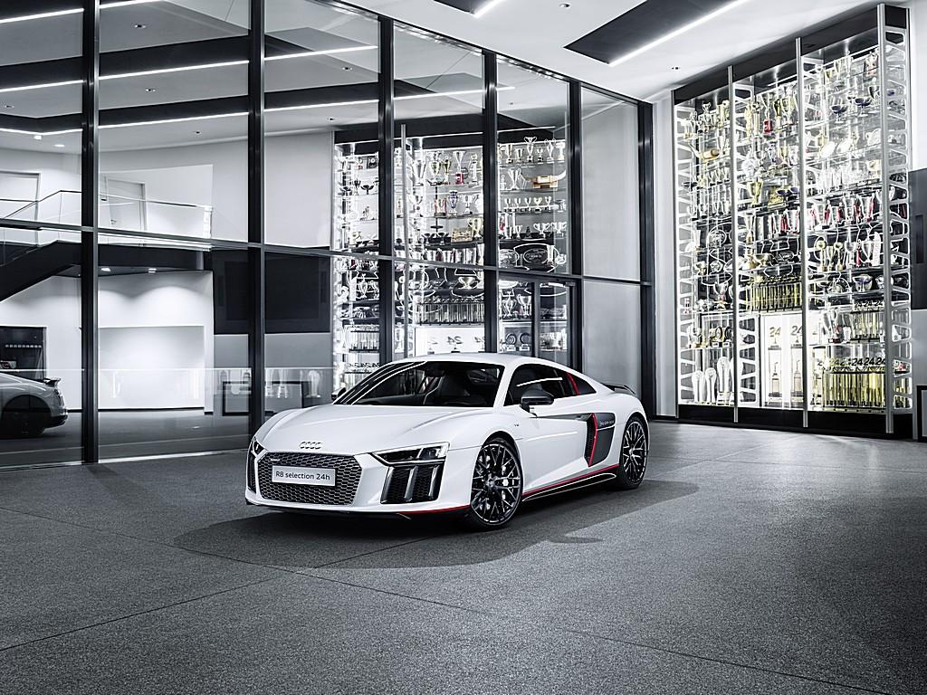 Audi R8 Coupé V10 plus Selection 24h Tre Quarti