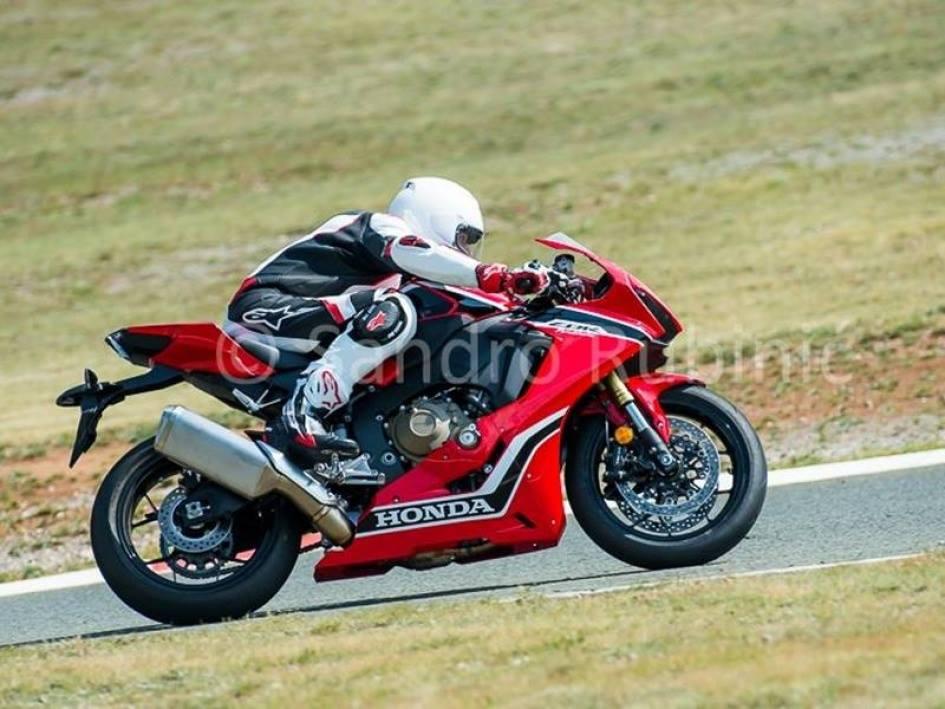 Honda CBR 1000 2017 pista