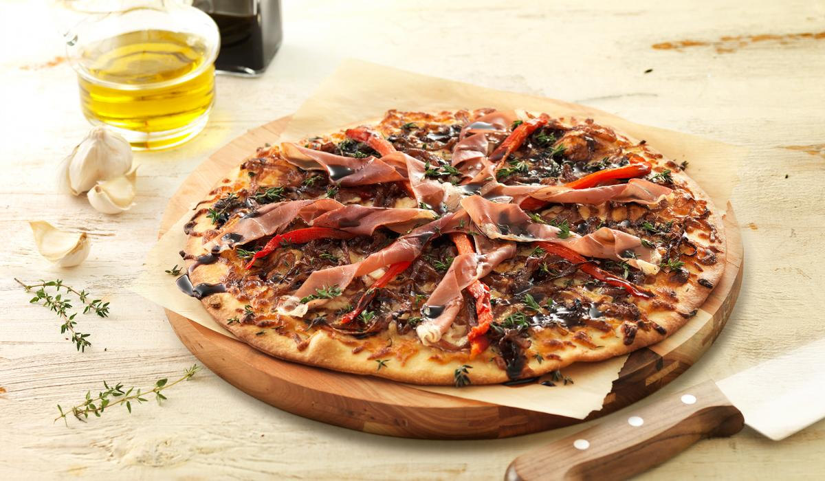Wewalka Recipe - Mozzarella and Prosciutto Pizza
