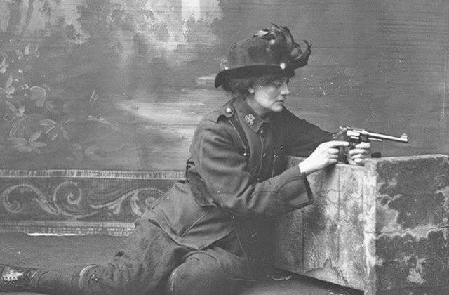 la-condesa-constanza-markiewicz-fue-una-figura-importante-en-el-parlamento-de-irlanda