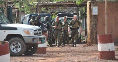 14 cartuchos, 12 civiles a salvo y un héroe español en tierras extrañas, que en España pasa desapercibido