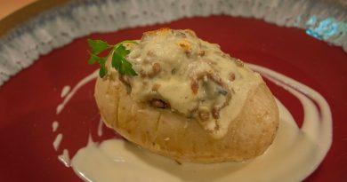 Patata rellena de Musaka. Rápida y exquisita. Por Diana Cabrera