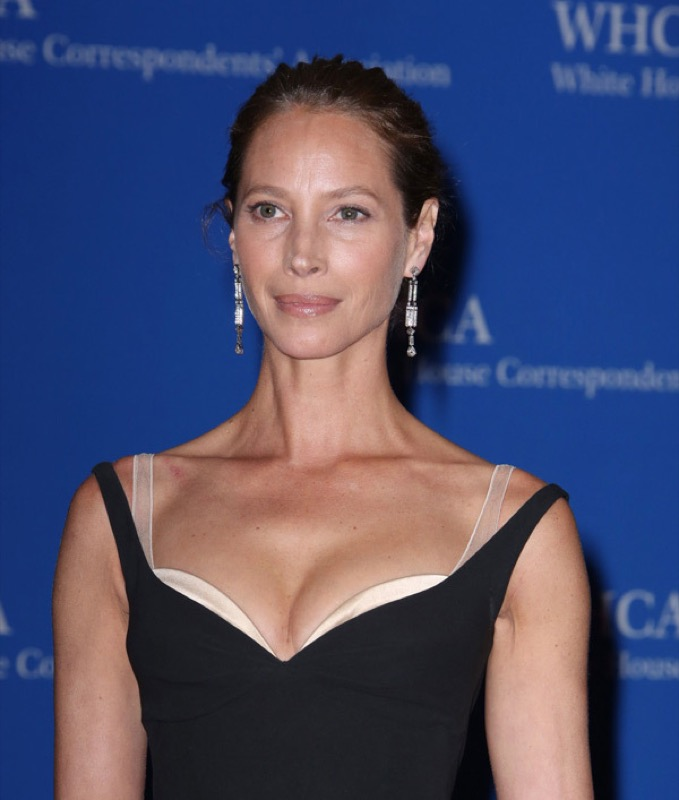ClioMakeUp-whcd-red-carpet-make-up-trucchi-red-carpet-star-Christy-Turlington